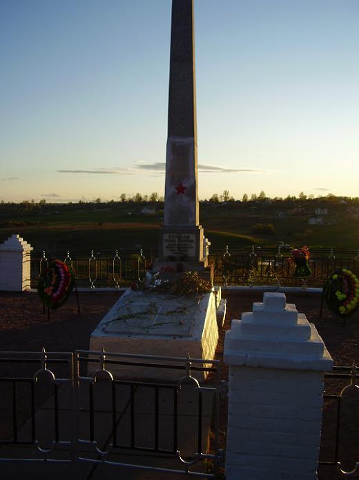Памятник победы Антропшино, г. Коммунар